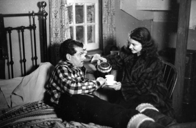 Olivier & Vivien Leigh on the set of '49th Parallel' (1941)