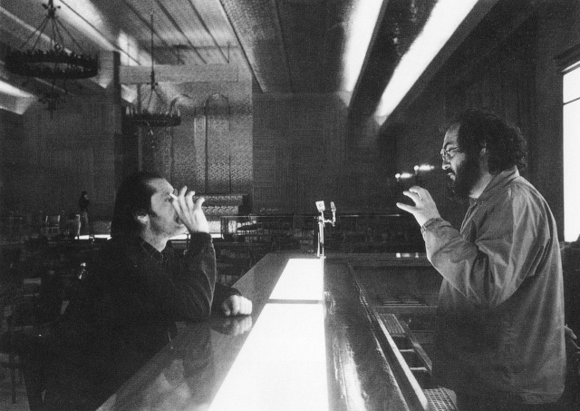 Nicholson & Kubrick in The Colorado Room 'The Shining' (1980)
