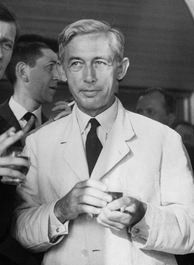 Robert Bresson - White Suit