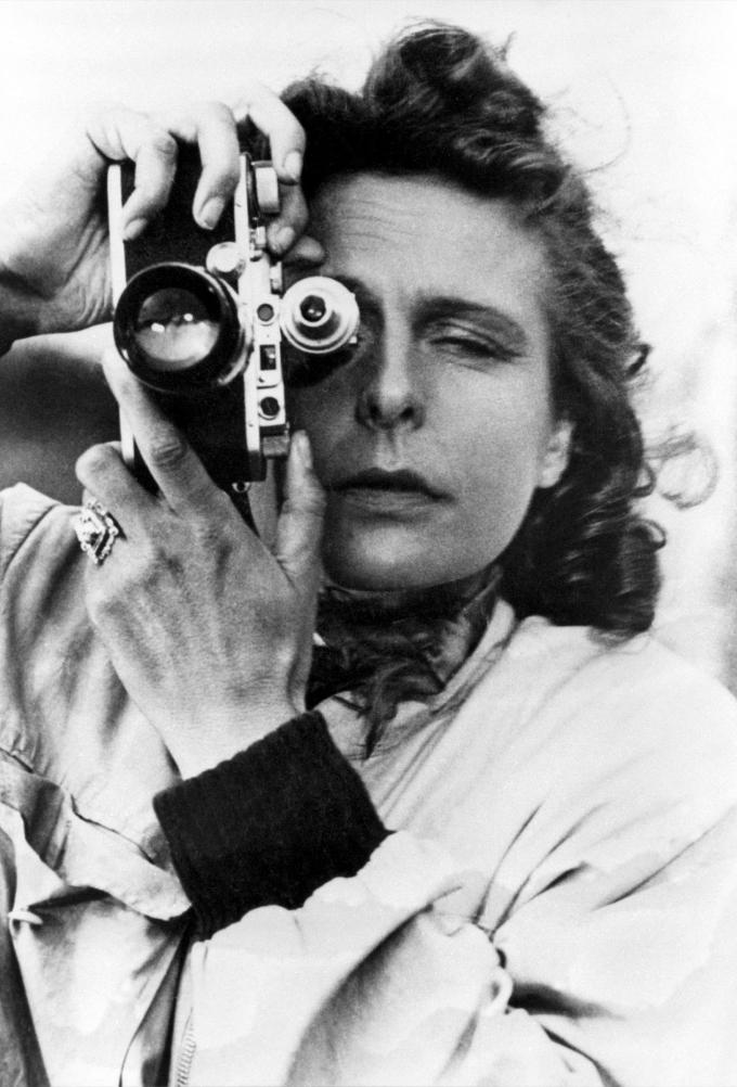 Leni Riefenstahl - Selfie