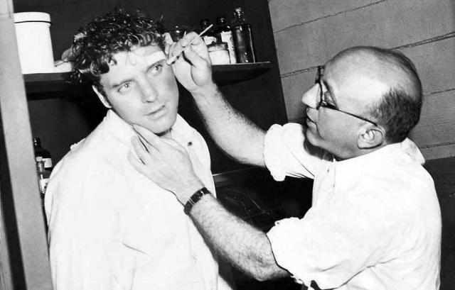 Burt Lancaster Gets a Make-Up Job from director Robert Siodmack 'The Killers' (1946)