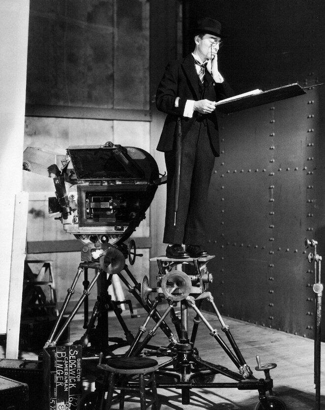 Buster Keaton - Speak Easily