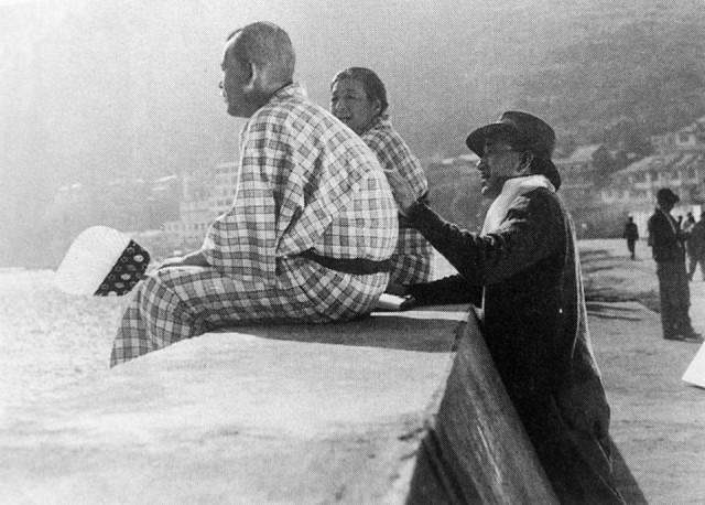 "Chishu Ryu & Chieko Higashiyama receive direction from Ozu ""Tokyo Story"" (1953)"