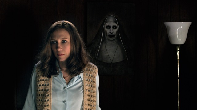 "VERA FARMIGA as Lorraine Warren in New Line Cinema's supernatural thriller ""THE CONJURING 2,"" a Warner Bros. Pictures release. © 2016 WARNER BROS. ENTERTAINMENT INC. AND RATPAC-DUNE ENTERTAINMENT LLC ALL RIGHTS RESERVED"