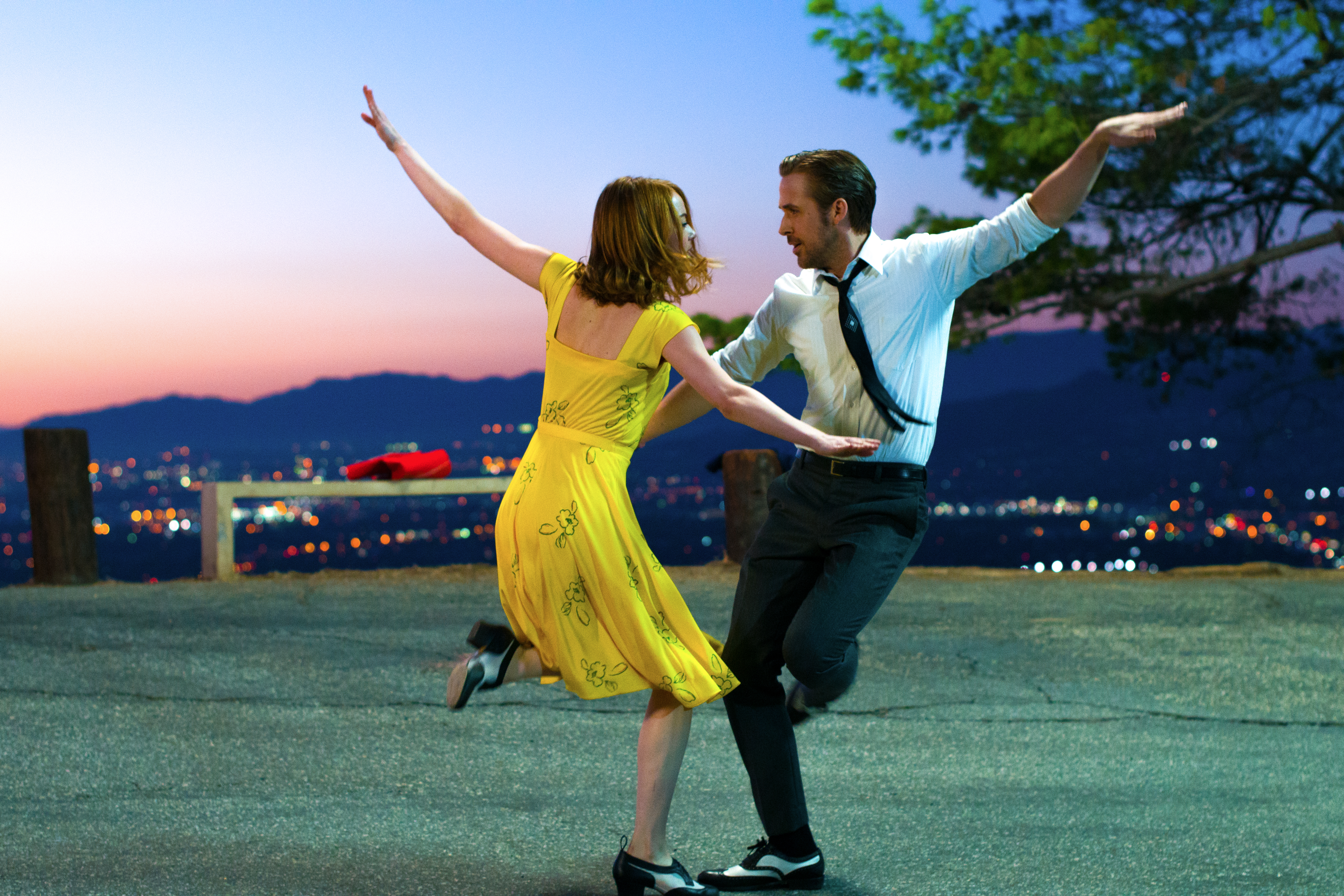 Emma Stone and Ryan Gosling channel Rogers and Astaire in LA LA LAND. Courtesy of DFS